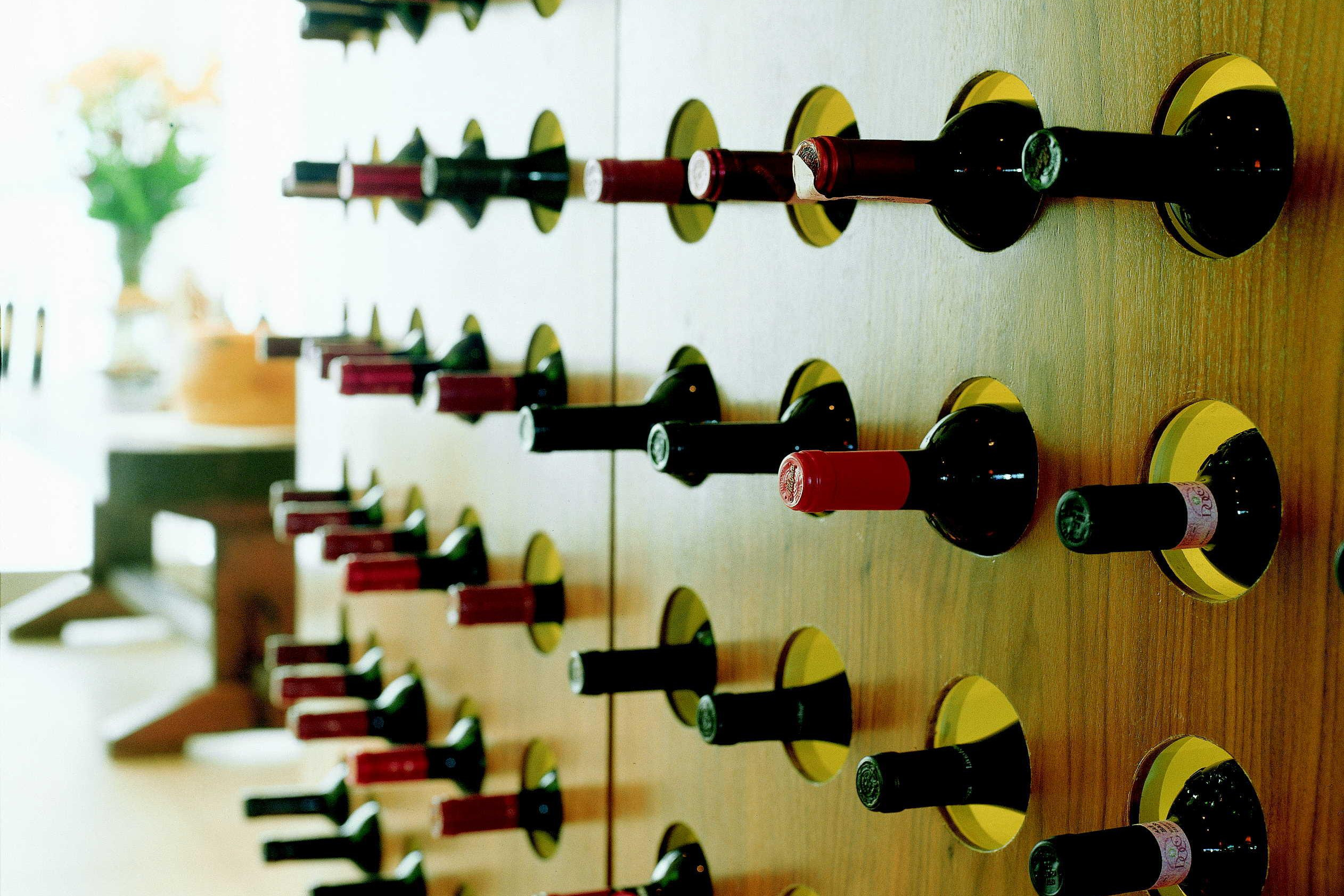 Wall-Mounted-Wine-Rack-Cabinet-Ideas
